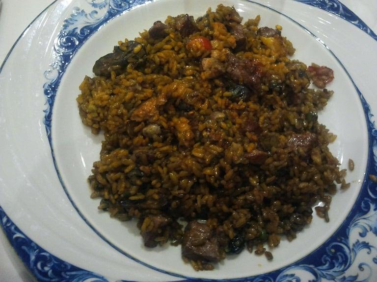 plato-de-arroz-magro-verduras